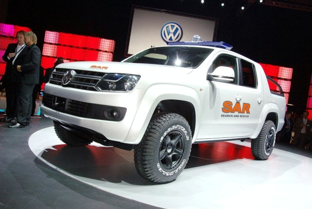 VW Pickup Concept in dramatic Baywatch style video 13080911