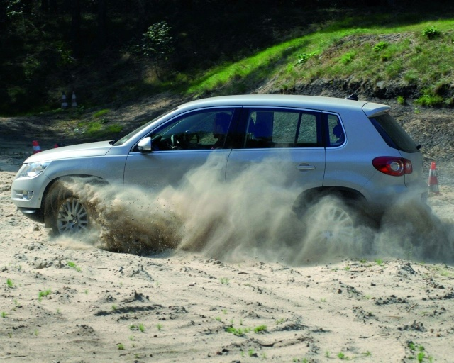 VW Tiguan Gets Front Wheel Drive Option (DE) 90709210