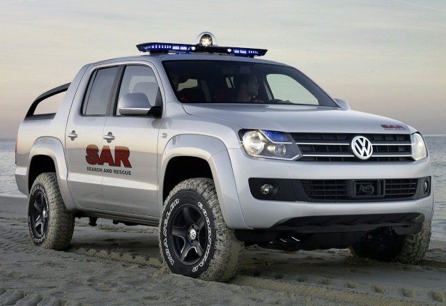 VW Pickup Concept in dramatic Baywatch style video 90809210
