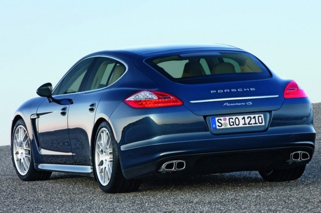 Official Porsche Panamera Image Leaked Offici13
