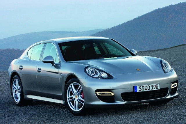 Official Porsche Panamera Image Leaked Offici14