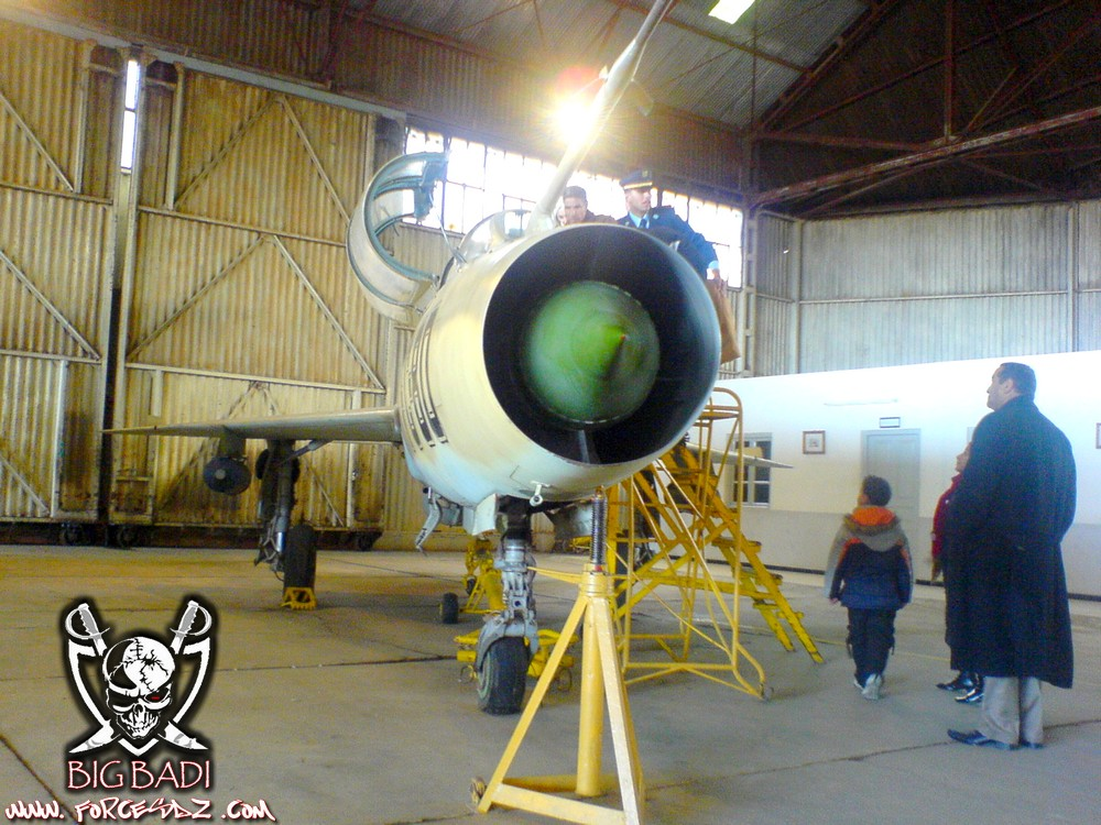 طائرة مقاتلة إعتراضية ميغ-21  MIG-21 Dsc02512