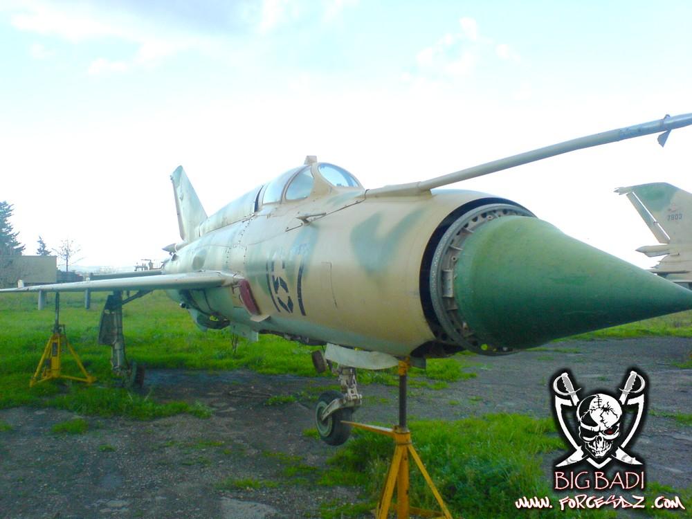 طائرة مقاتلة إعتراضية ميغ-21  MIG-21 Dsc02520