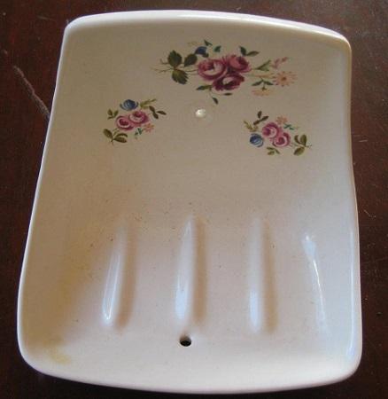 Crown Lynn  Soap dish and Towel Rail Holders 1632_l10
