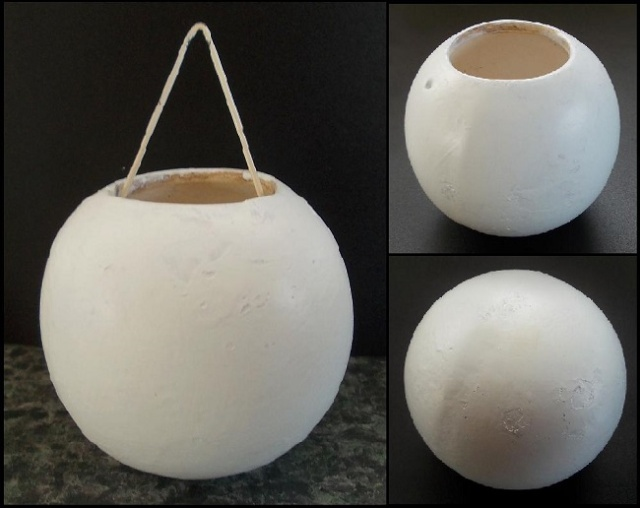 Hanging vase from haselnuss - Is this NZ Pottery? White_10