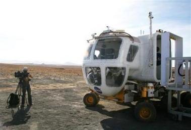 NASA : mobilité lunaire, rovers pressurisés et non pressurisés - Page 4 Jeep_l10