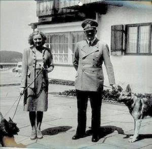 TROIS PROJETS NAZIS CHARGÉS DE MYSTÈRES Hitler11