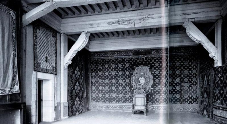 Exposition « Trônes en majesté, l'autorité et son symbole » - Page 6 Img04811