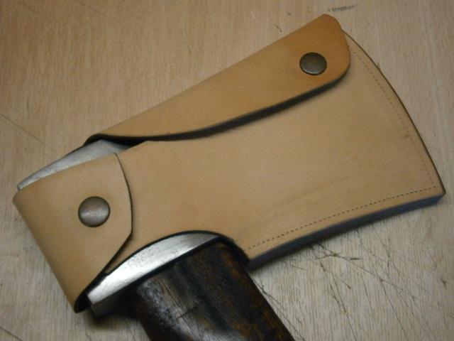 [fabrication] étuis en cuir pour outils ... P7170110