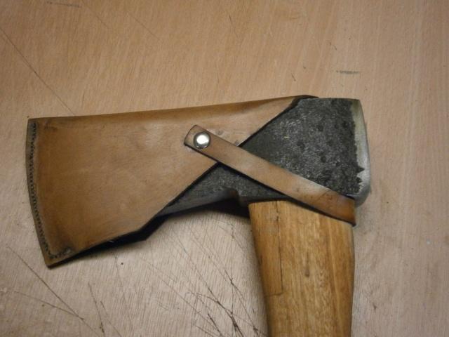 [fabrication] étuis en cuir pour outils ... P7170117
