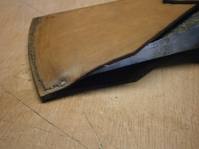 [fabrication] étuis en cuir pour outils ... P7170118