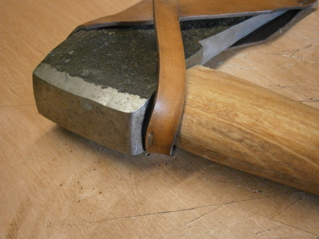 [fabrication] étuis en cuir pour outils ... P7170120