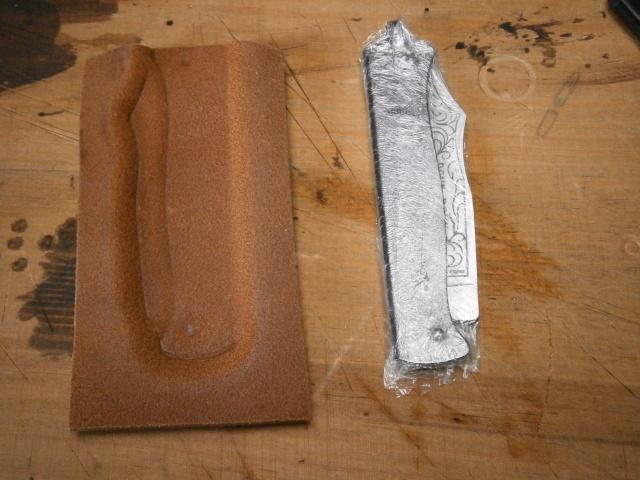 [fabrication] étuis en cuir pour outils ... P8110117