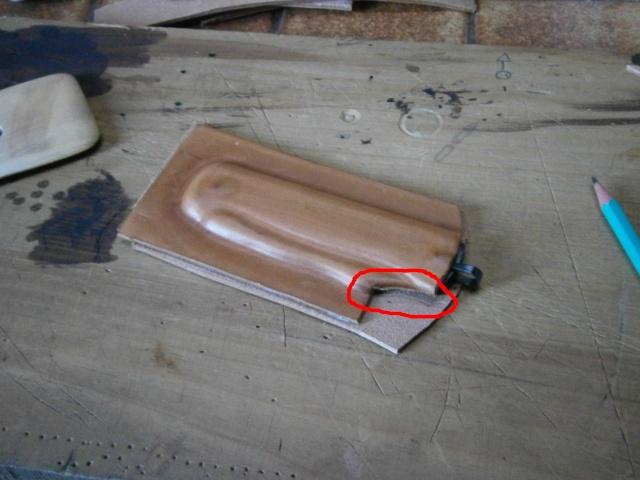 [fabrication] étuis en cuir pour outils ... P8110118