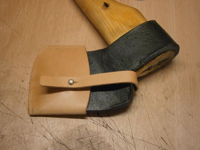 [fabrication] étuis en cuir pour outils ... P8160211