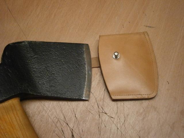 [fabrication] étuis en cuir pour outils ... P8160212