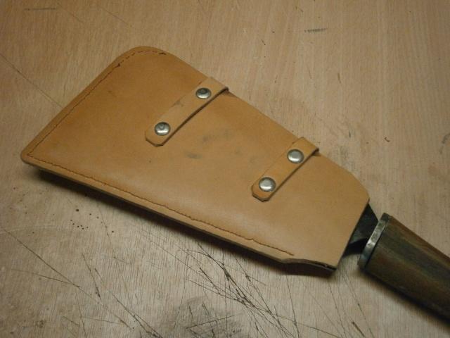 [fabrication] étuis en cuir pour outils ... P8160217