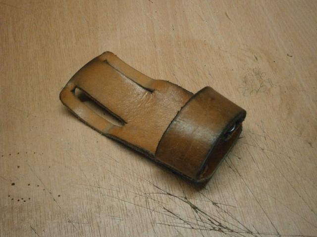[fabrication] étuis en cuir pour outils ... P8160219