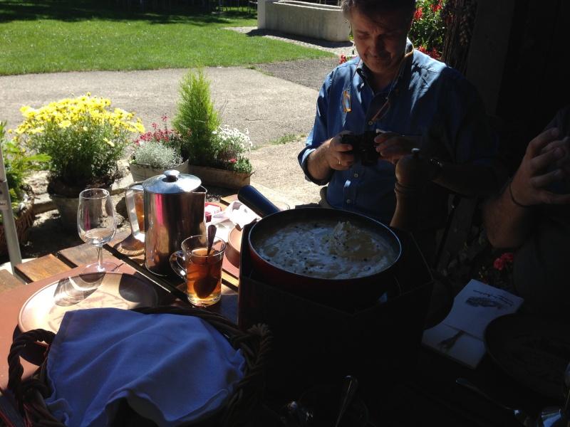 Les déjeuners du Sud sont souvent gastronomiques et copieux ! Img_2711