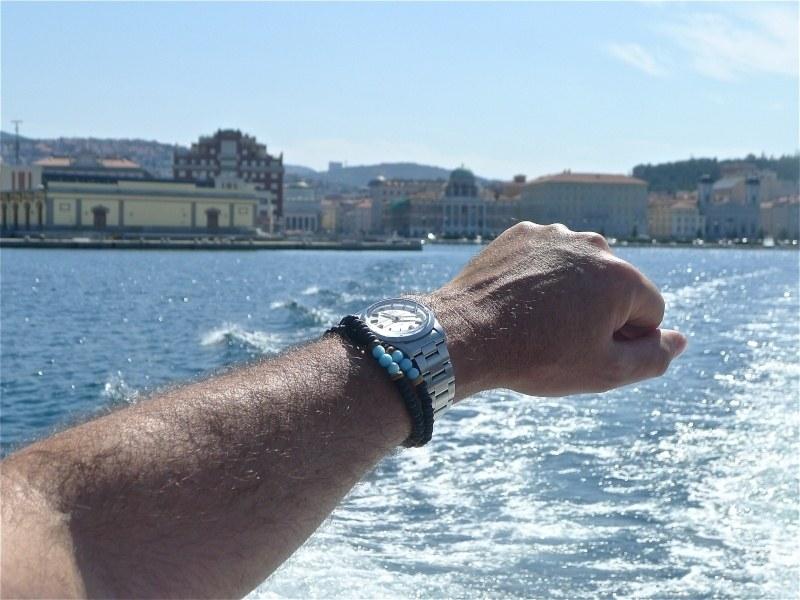 Votre montre sur le poignet d'un autre ... Milgau10
