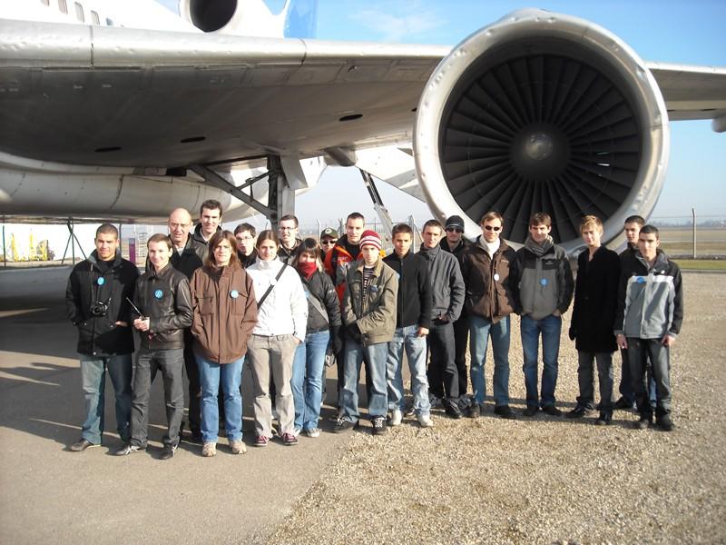VISITE DE L'AEROPORT DE LYON ST EXUPERY - Page 4 Dscn0812
