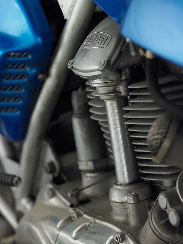 750 GT.. Ducati11