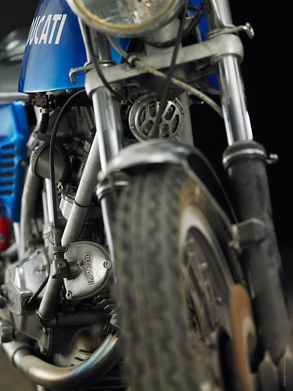 750 GT.. Ducati13