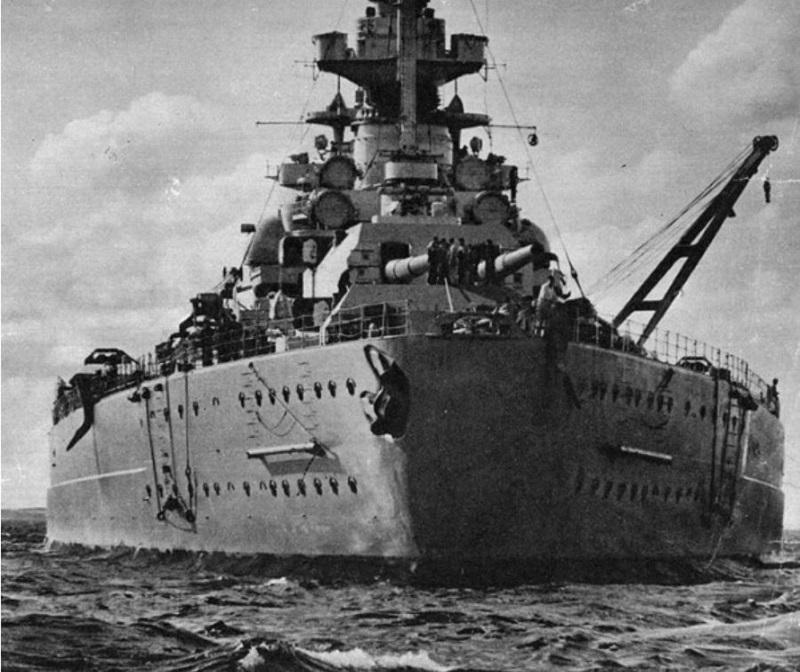 Le Bismarck amati 1:200 Bismar11