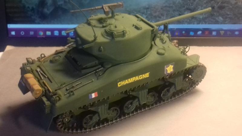 Char SHERMAN (je crois) M4 A1 Sherma10