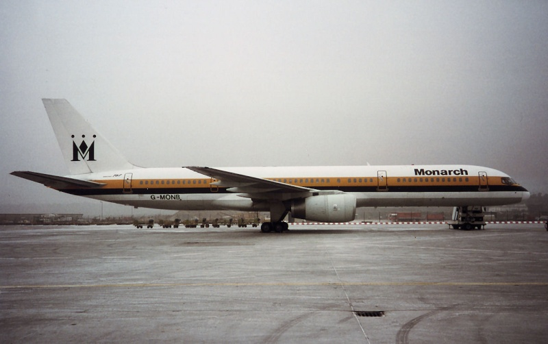 757 in FRA - Page 2 G-monb10