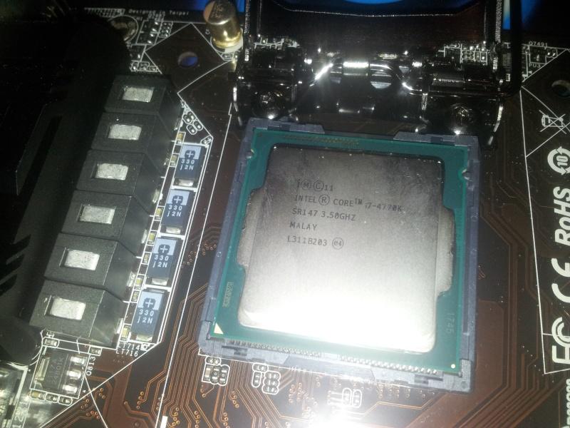 BitFenix Prodigy + Z87E-ITX+  4770K + GTX 690 4GB  110