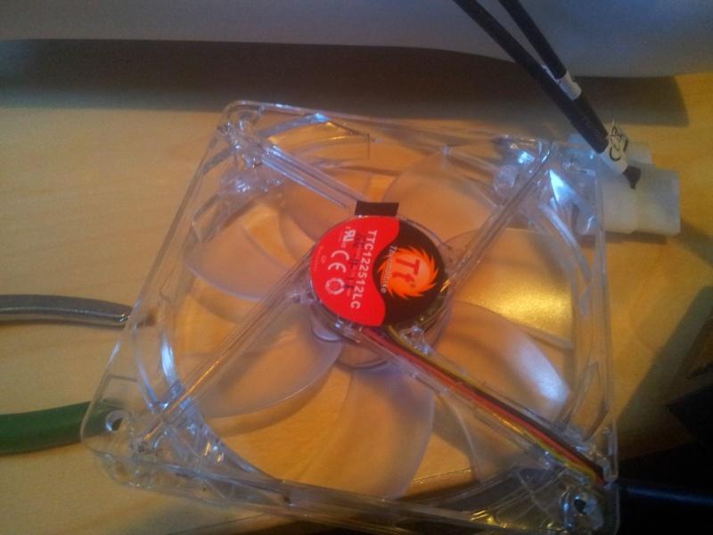 BitFenix Prodigy + Z87E-ITX+  4770K + GTX 690 4GB  2013-046