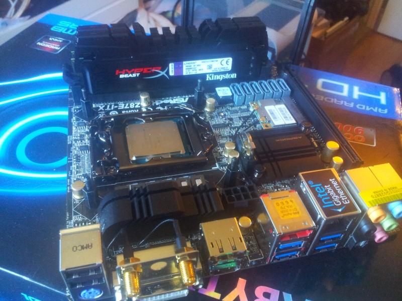 BitFenix Prodigy + Z87E-ITX+  4770K + GTX 690 4GB  210