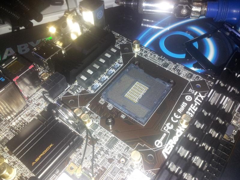 BitFenix Prodigy + Z87E-ITX+  4770K + GTX 690 4GB  310