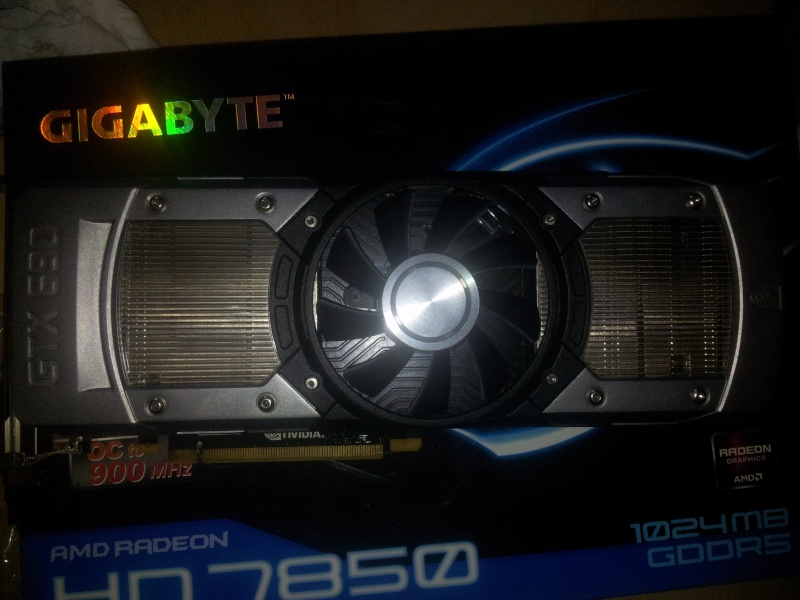 BitFenix Prodigy + Z87E-ITX+  4770K + GTX 690 4GB  610