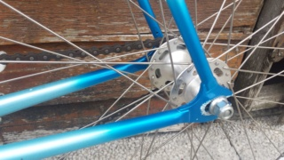 Besoin de vos avis d'experts ! Vélo course amateur années 90. Img-2025