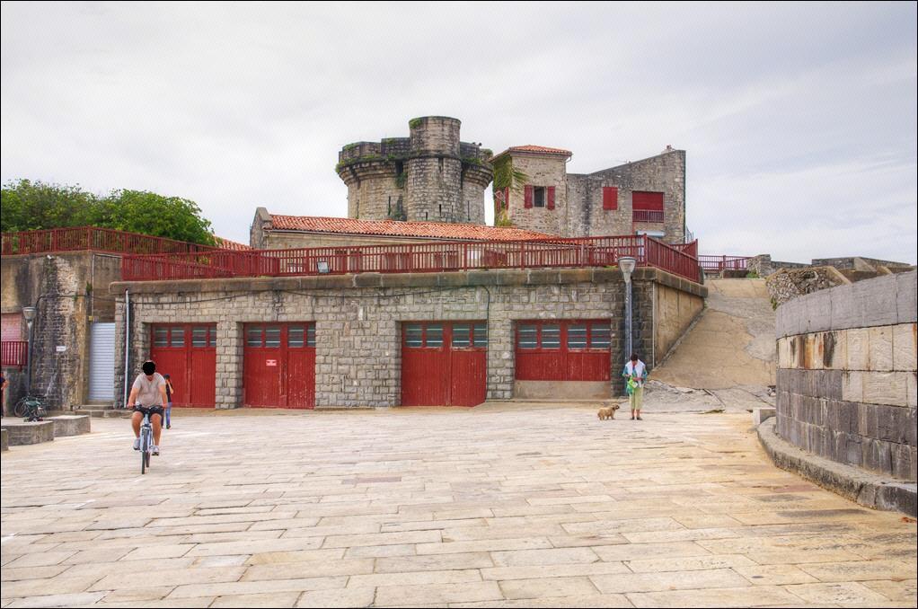 Reservoir à carburant du fort de Socoa. Imgp0912