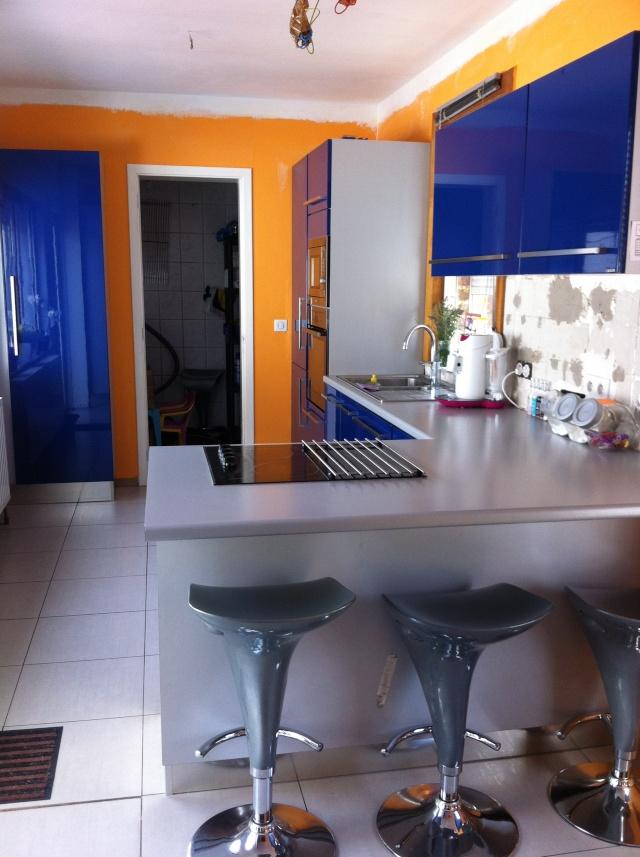 Sabri repeint sa cuisine (meuble de cuisine bleu) Img_5612