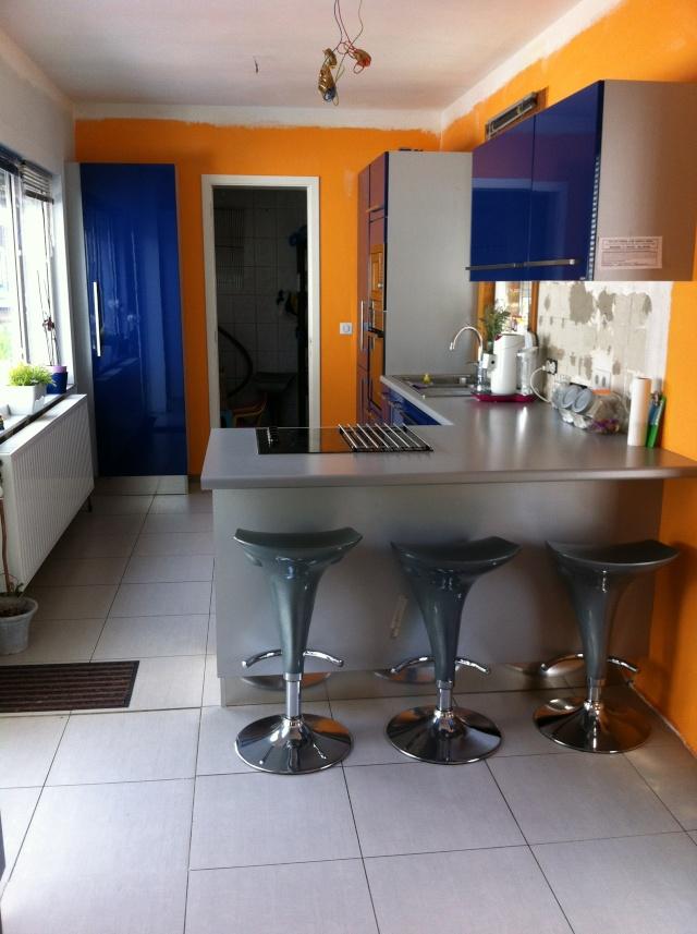 Sabri repeint sa cuisine (meuble de cuisine bleu) Img_5613