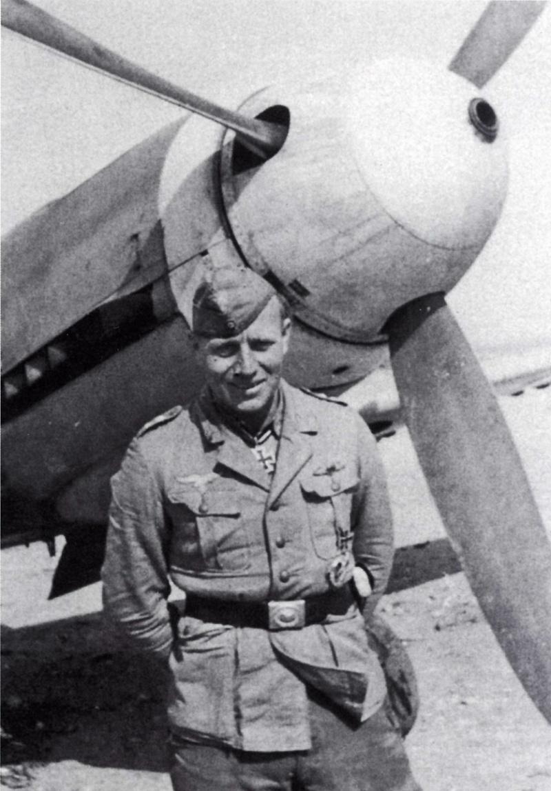 Bf109 F4 Trop. - Page 8 5-pilo10