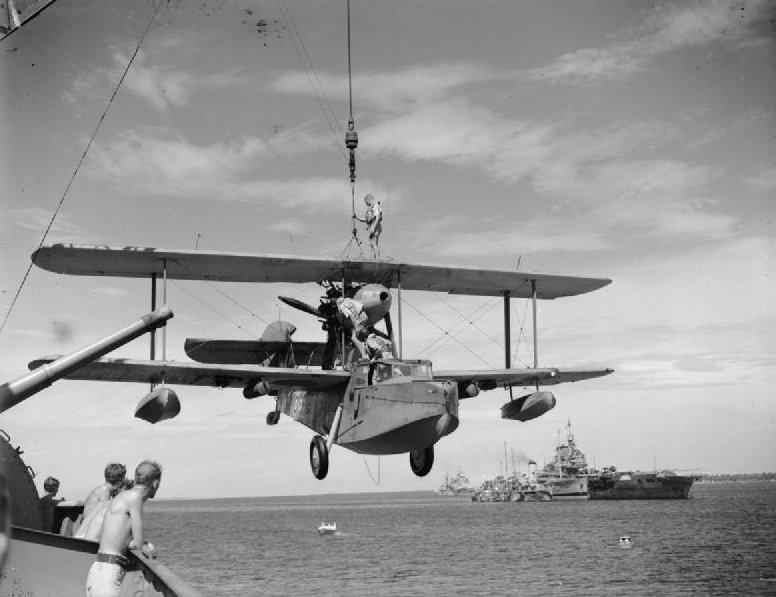 HMS WARSPITE 1942 - Page 8 Dfgfdt10