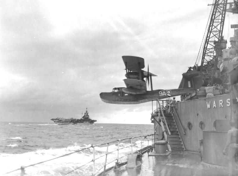 HMS WARSPITE 1942 - Page 8 Walrus10