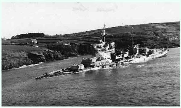 HMS WARSPITE 1942 - Page 10 Warspi10