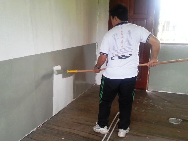 Gotong-royong mengecat kelas -9mac2013 Dsc_0723