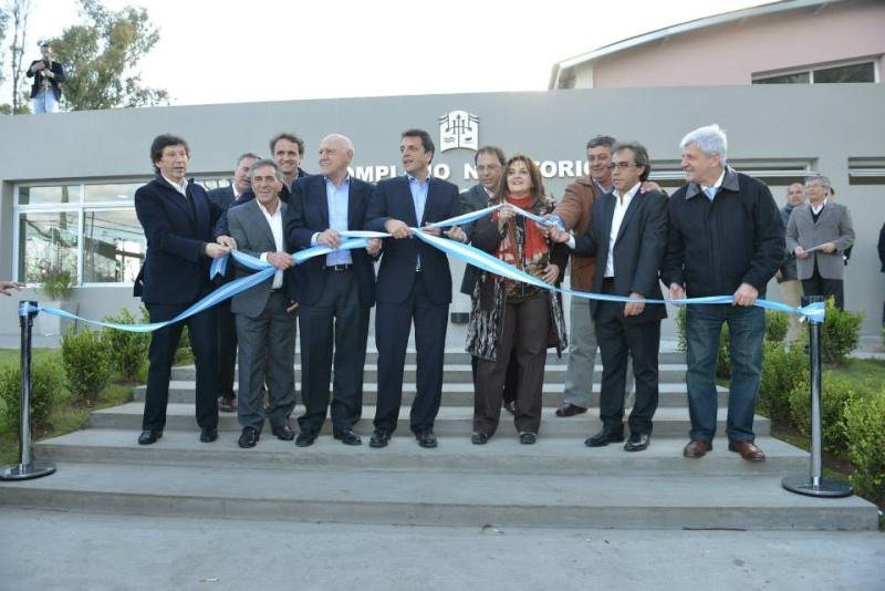 Hurlingham inauguró Complejo Natatorio Municipal. 00148
