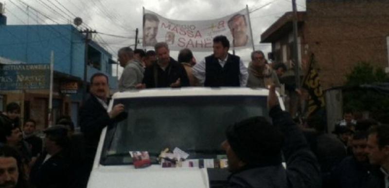 Atacaron la caravana de Sergio Massa en La Matanza y hay tres heridos 00151