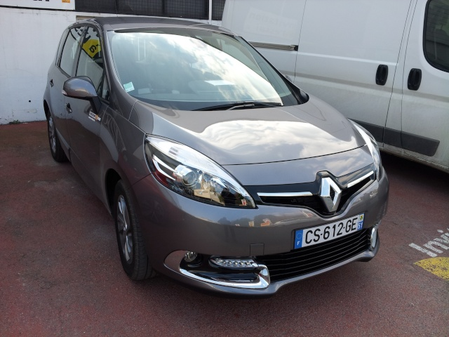 2011 - [Renault] Scénic III Restylé [J95] - Page 11 20130410
