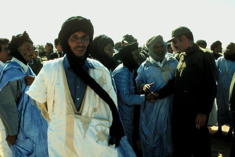 Le conflit armé du sahara marocain - Page 2 Sahara41