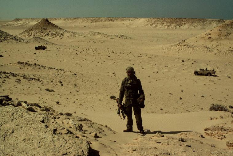 Le conflit armé du sahara marocain - Page 2 Sahara44
