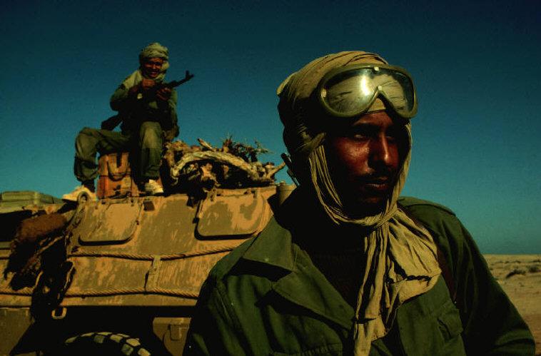Le conflit armé du sahara marocain - Page 2 Sahara45